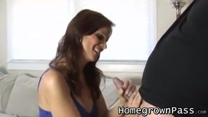 Amateur hot wife sucks the delivery guy