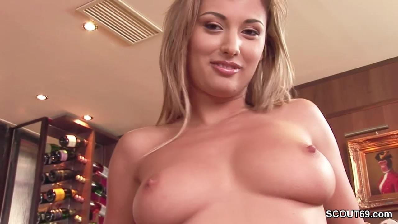 Perfect MILF in Real Porn Casting with Anal DP and Facial ...