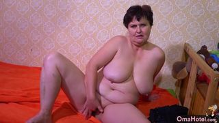 Sexy chubby wife with huge tits built to fuck XXX